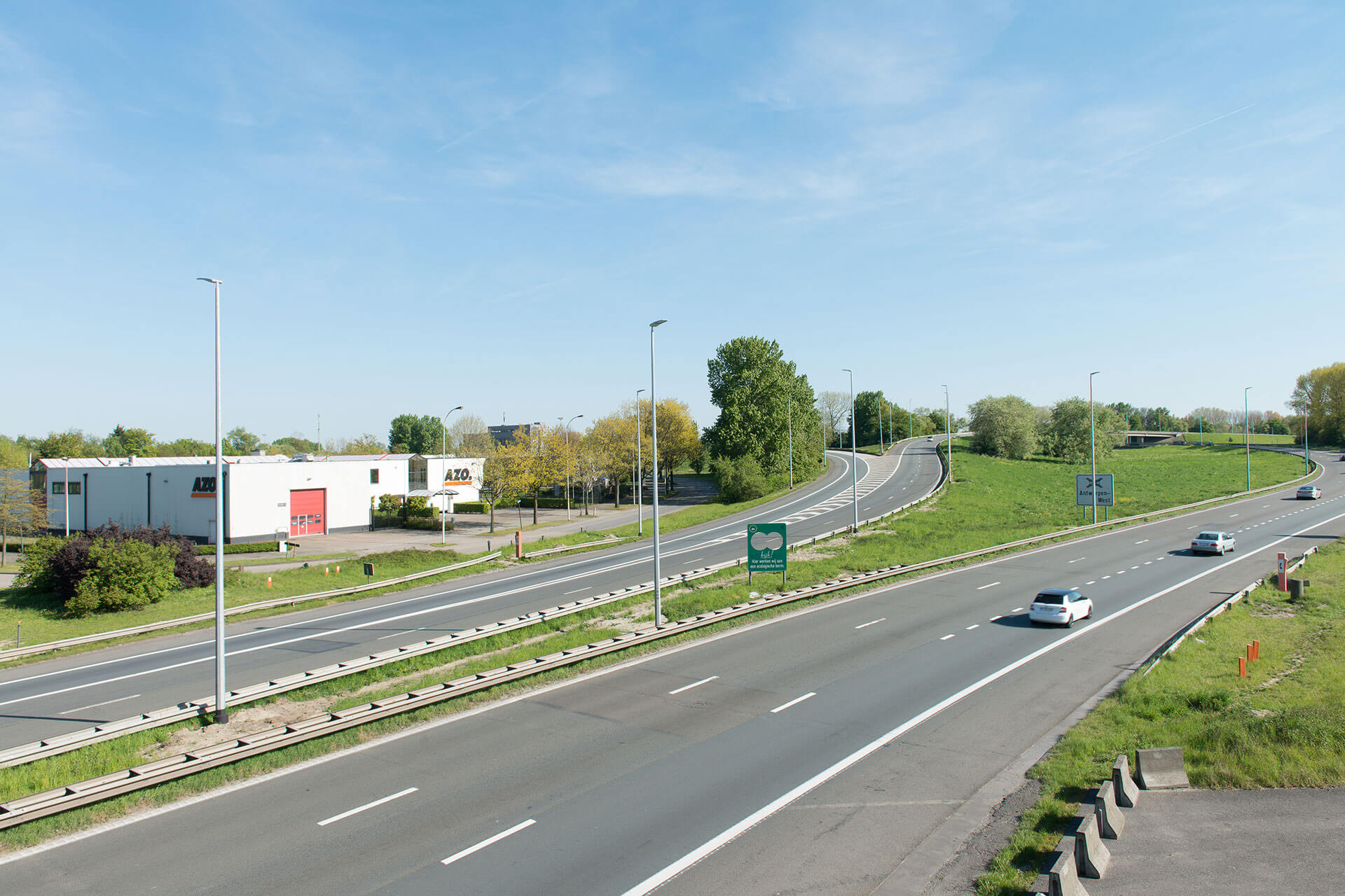 Teceo provides a sustainable lighting solution with high visual comfort for motorists on busy E17 motorway