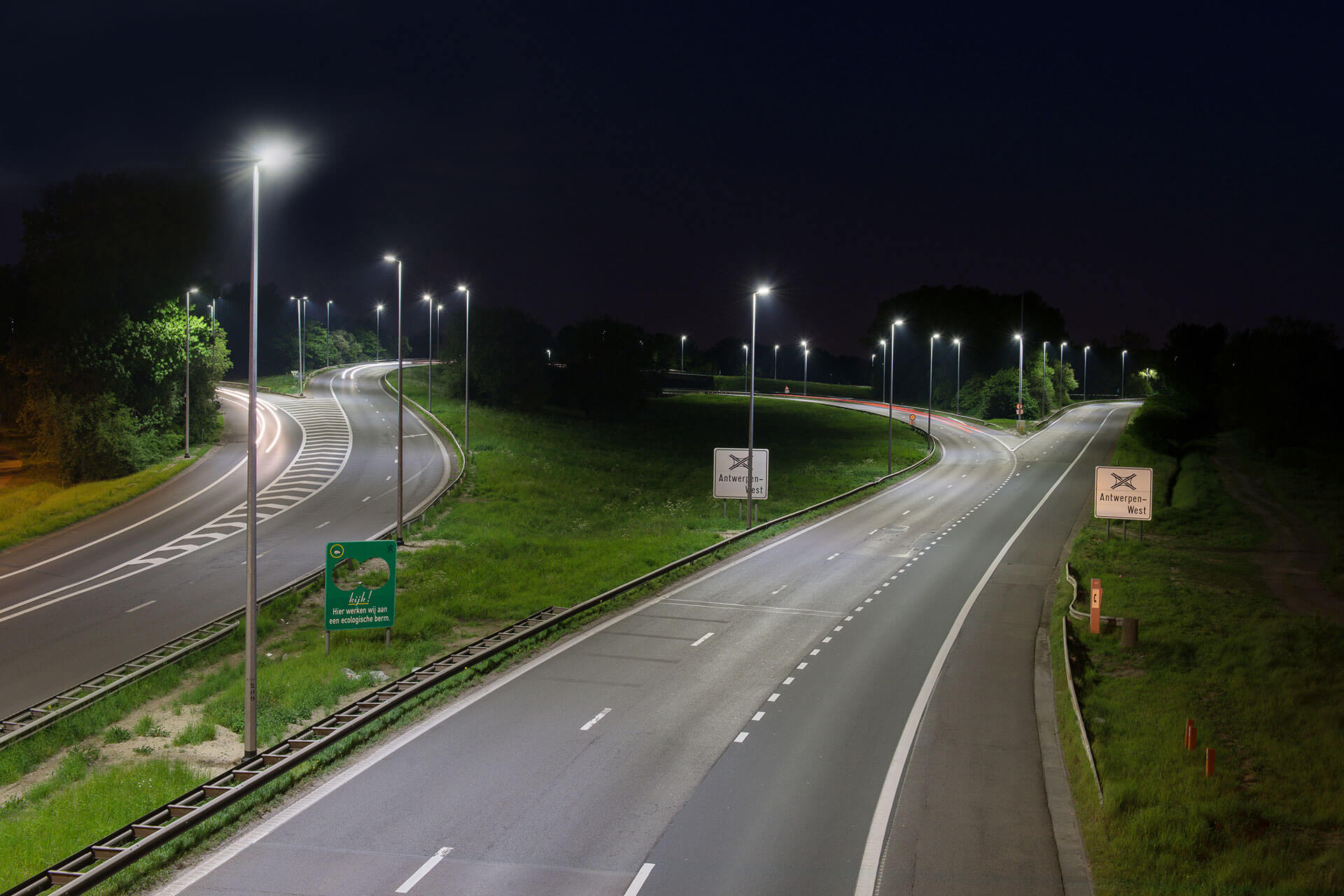 Sustainable lighting solution reduces energy consumption and guarantees safety for motorists on E17 in Belgium